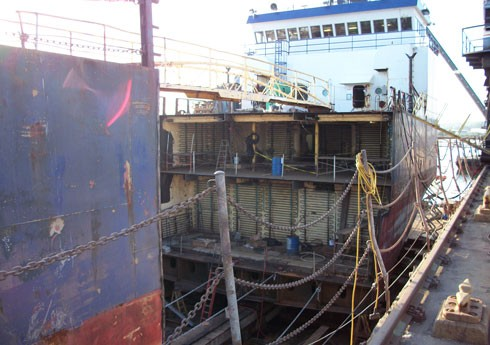 Ship cut apart ready for new midsection